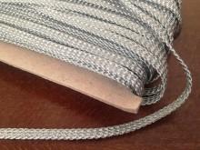 Bocskai zsinór, szín: ezüst, szélesség: 6mm, 1 tekercs: 50m, Egységár: 104,0 Ft/méter*