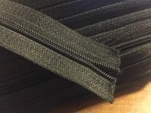 Végtelen zippzár, szín: fekete, 1 tekercs: 50m, spirál szélesség: 4mm, Egységár: 33,0 Ft/méter*
