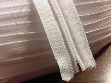 Végtelen zippzár, szín: fehér, 1 tekercs: 50m, spirál szélesség: 4mm, Egységár: 33,0 Ft/méter*